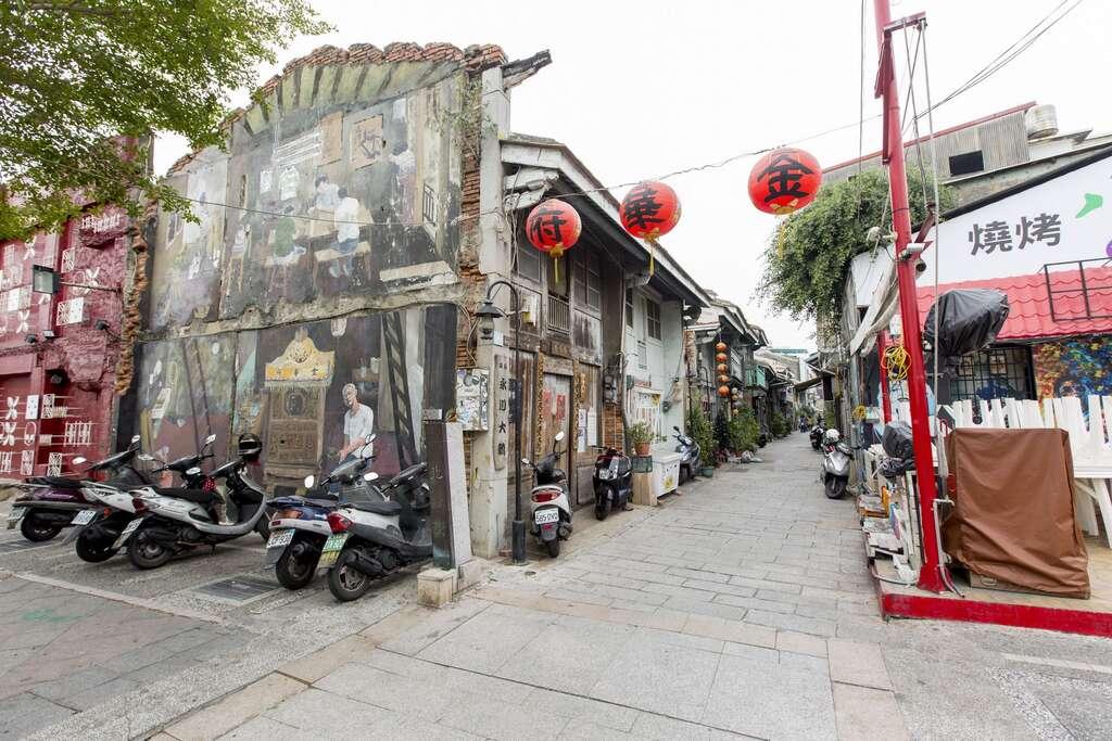 神農老街壁上彩繪