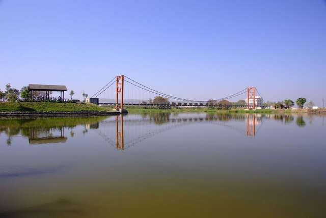 Lingpo Suspension Bridge(凌波吊橋)