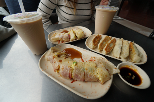 2-2 Start your day with a Taiwanese Breakfast