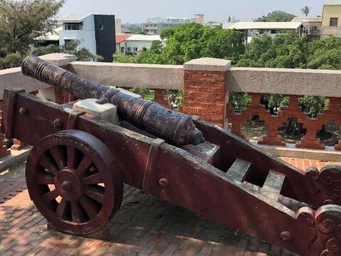 The 17th century canon