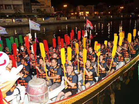 International Dragon Boat Championships Start