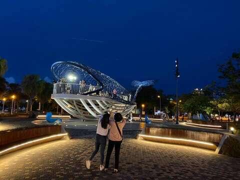大魚的祝福重新開放周邊景觀照明更加融合