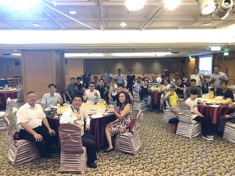 黃偉哲市長率領市府觀光團隊與媒體餐敘