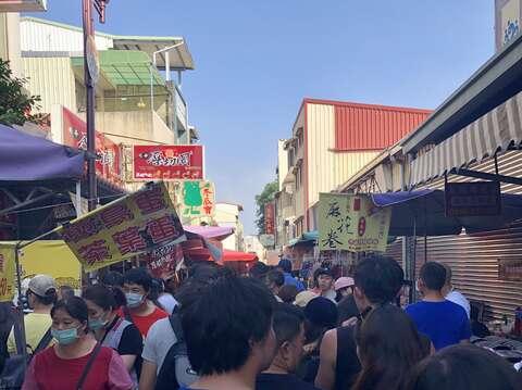 安平老街人潮擁擠