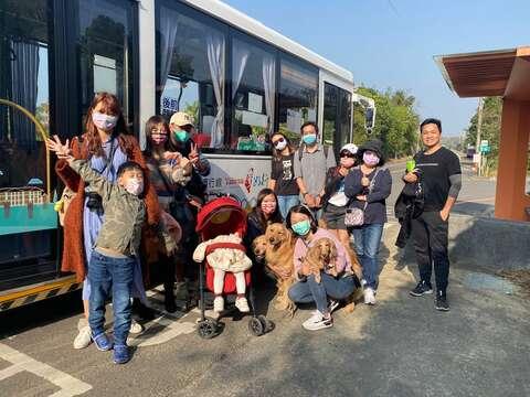 邀請大家帶小小孩、毛小孩一同搭乘台灣好行山博行線遊台南
