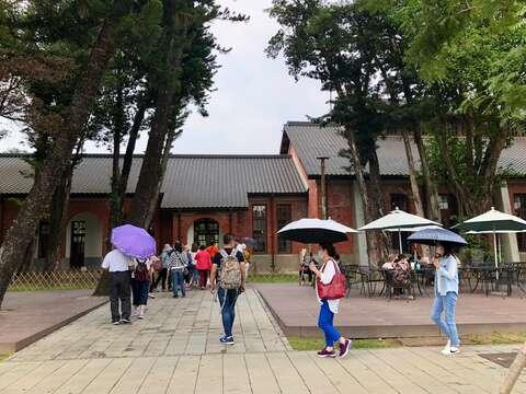 好天氣讓遊客一早都到水道博物館遊玩