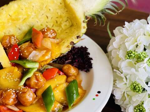 鳳梨酸甜咕咾肉-台南商務會館